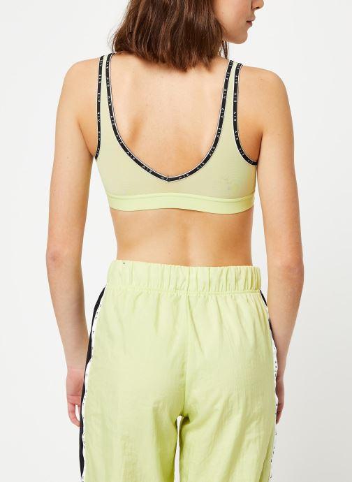 Vêtements Nike Nike Indy Nk Air Bra Jaune vue portées chaussures