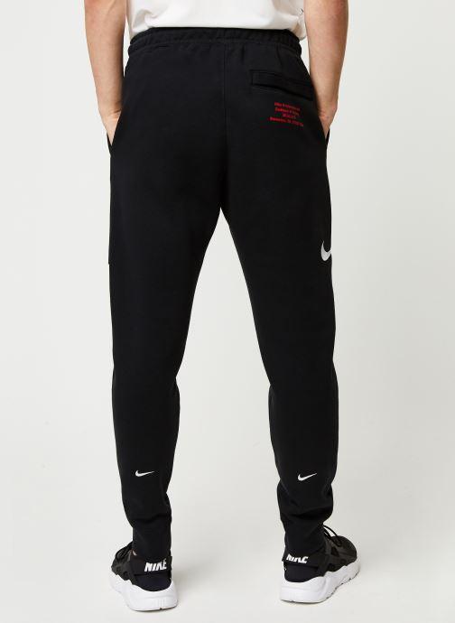 Vêtements Nike M Nsw Swoosh Pant Bb Noir vue portées chaussures