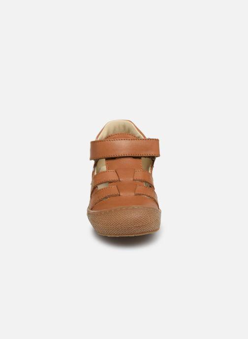 Ballerines Naturino Bede Marron vue portées chaussures
