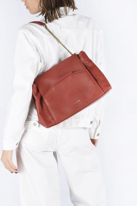 Handtaschen Nat & Nin ROXANE weinrot ansicht von unten / tasche getragen