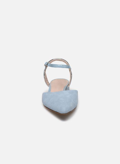 Ballerines Parallèle ERIKA Bleu vue portées chaussures