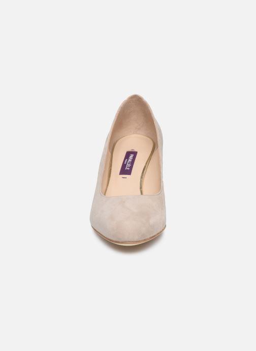 Zapatos de tacón Parallèle LIBBA Beige vista del modelo