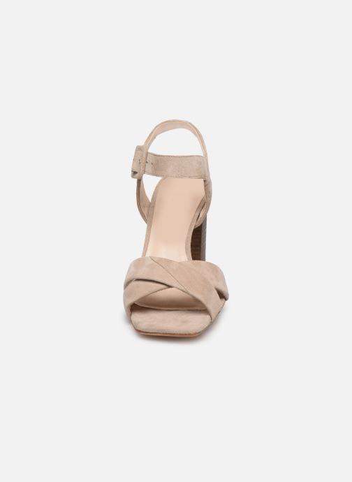 Sandali e scarpe aperte Parallèle XAKANDA Beige modello indossato