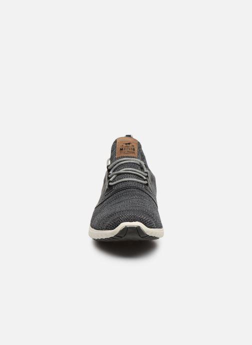 Baskets Mustang shoes Kipsi Noir vue portées chaussures