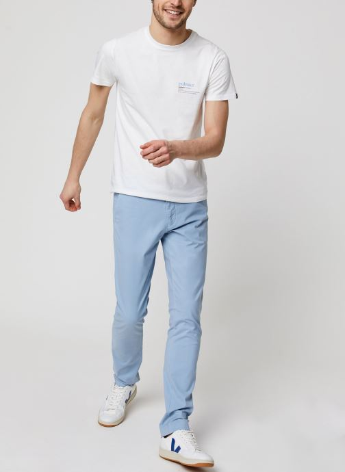 Vêtements GANT Slim Sunfaded Chino Bleu vue bas / vue portée sac