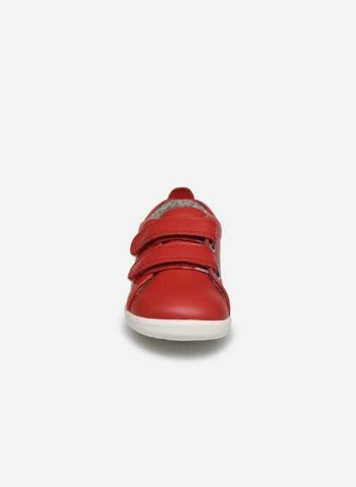 Baskets Bobux Grass Court Step Up Rouge vue portées chaussures