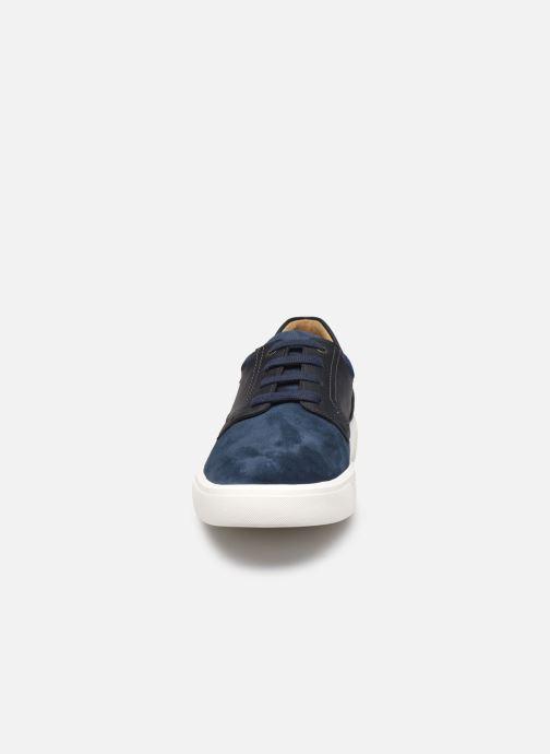 Sneakers Mephisto Calisto Azzurro modello indossato