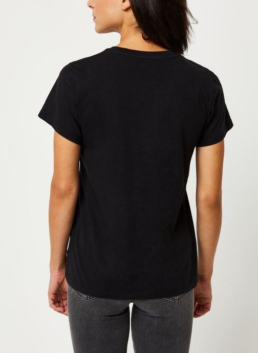 Vêtements Levi's T-shirt The Perfect Tee Noir vue portées chaussures