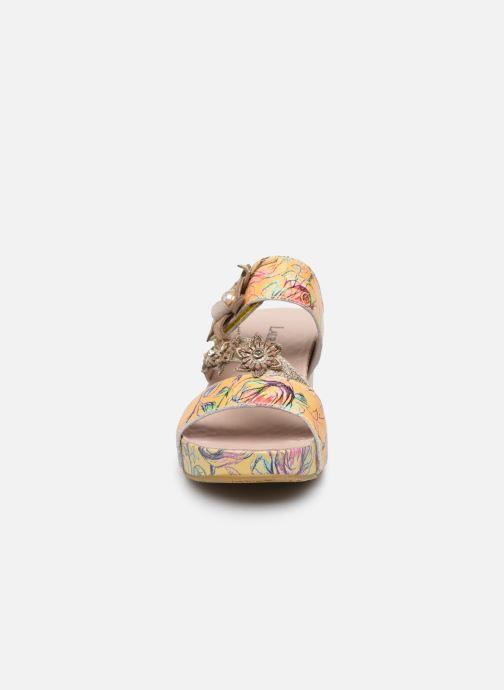 Mules et sabots Laura Vita Facdio 26 Jaune vue portées chaussures