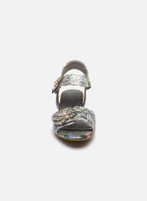 Sandali e scarpe aperte Laura Vita Hucbio 05 Argento modello indossato