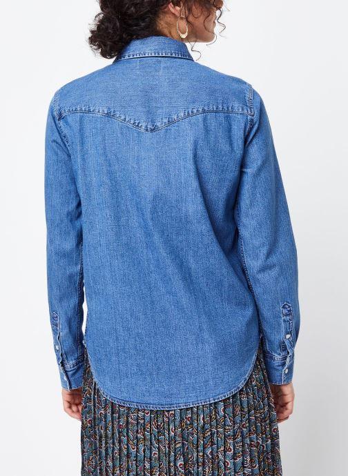 Vêtements Levi's Chemise Essential Western Bleu vue portées chaussures
