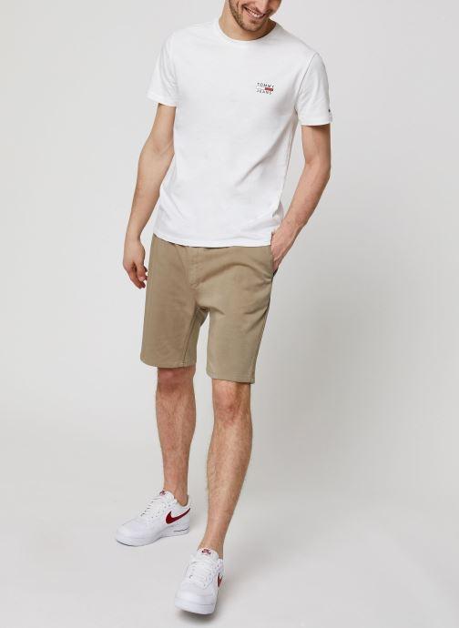 Vêtements Tommy Jeans TJM Chest Logo Tee Blanc vue bas / vue portée sac