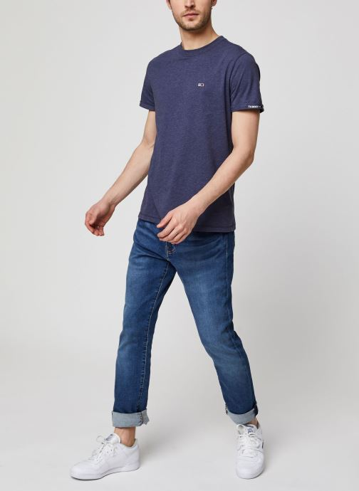 Vêtements Tommy Jeans TJM Texture Detail Tee Bleu vue bas / vue portée sac