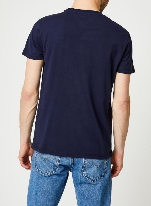 Vêtements Tommy Jeans TJM Corp Logo Tee Bleu vue portées chaussures