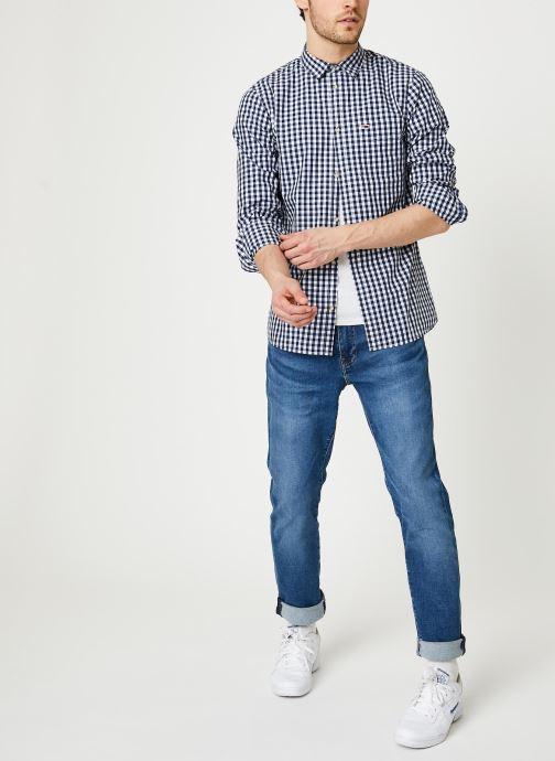 Vêtements Tommy Jeans TJM Overdye Poplin Check Shirt Blanc vue bas / vue portée sac