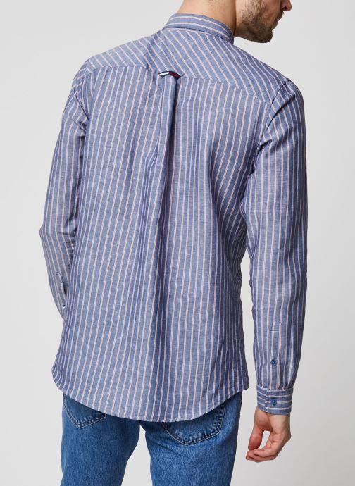 Vêtements Tommy Jeans TJM Linen Blend Shirt Bleu vue portées chaussures