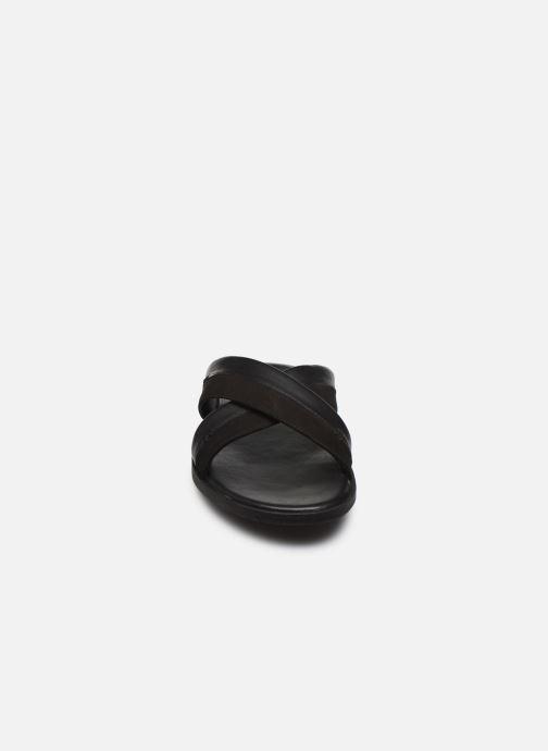 Sandales et nu-pieds Kickers MOOBY Noir vue portées chaussures