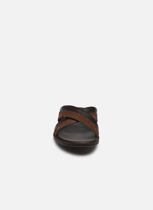 Sandali e scarpe aperte Kickers MOOBY Marrone modello indossato