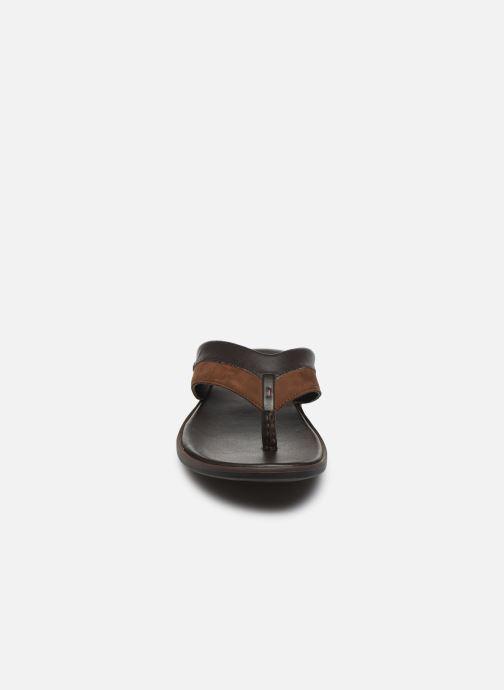 Tongs Kickers MOOLEY Marron vue portées chaussures