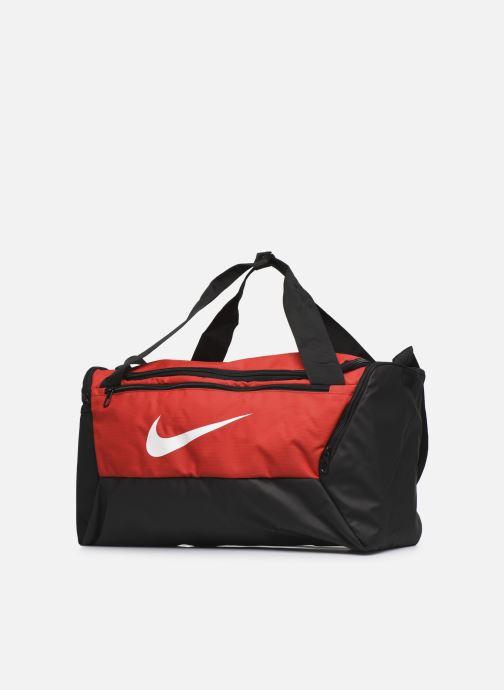 Sacs de sport Nike Nk Brsla S Duff - 9.0 (41L) Rouge vue portées chaussures