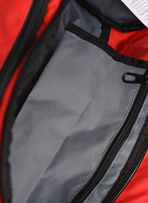 Sacs de sport Nike Nk Brsla S Duff - 9.0 (41L) Rouge vue derrière