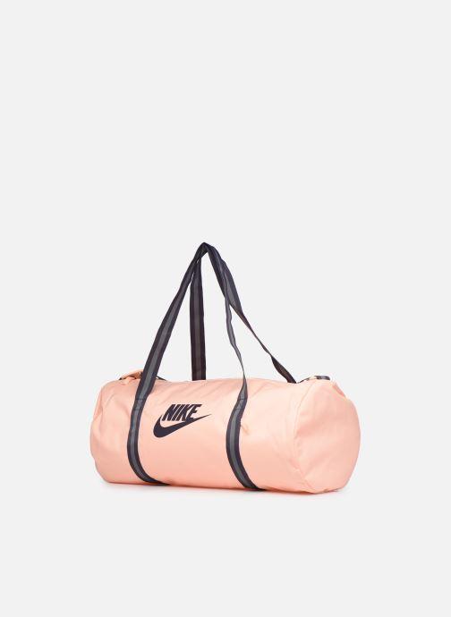 Sacs de sport Nike Nk Heritage Duff Rose vue portées chaussures
