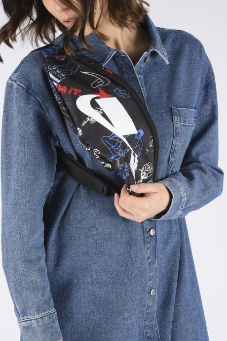 Petite Maroquinerie Nike Nk Heritage Hip Pack - Sp Aop Noir vue bas / vue portée sac