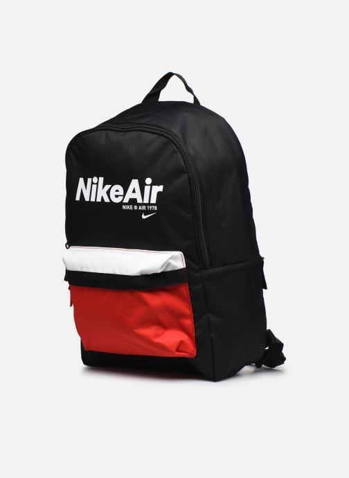 Zaini Nike Nk Heritage Bkpk - 2.0 Nkair Nero modello indossato