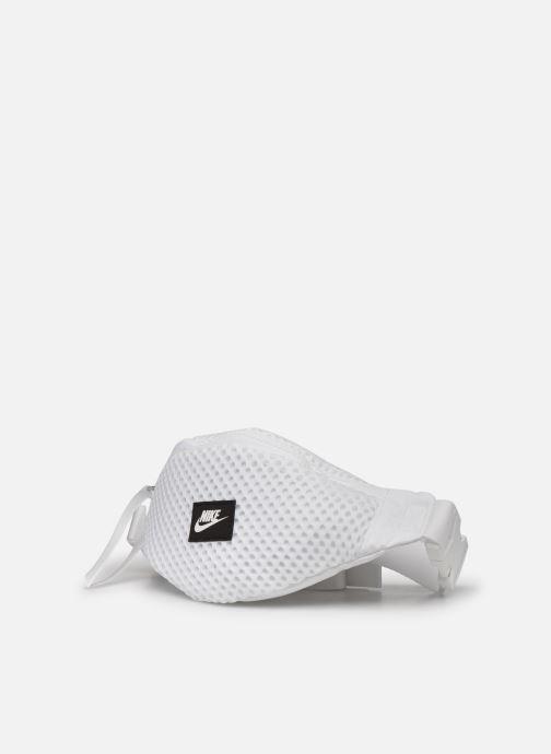 Sacs à main Nike Nk Air Waist Pack  -  Sm Blanc vue portées chaussures