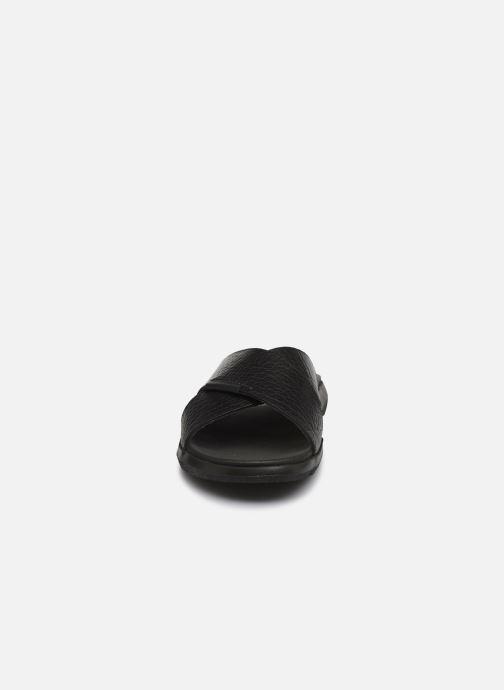 Sandali e scarpe aperte Mephisto Conrad C Nero modello indossato