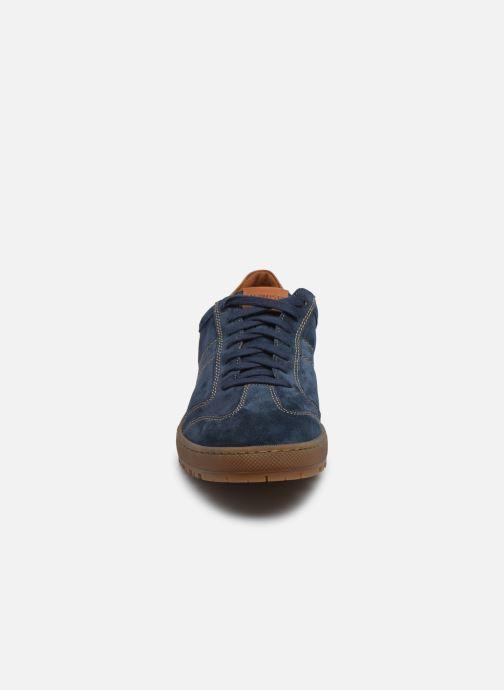 Sneakers Mephisto Jumper C Azzurro modello indossato