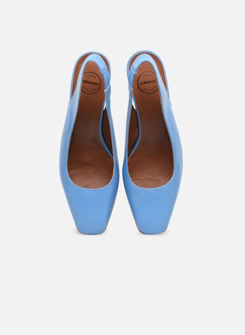 Zapatos de tacón Made by SARENZA South Village Escarpin #3 Azul vista del modelo