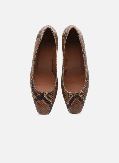 Zapatos de tacón Made by SARENZA South Village Escarpin #4 Marrón vista del modelo