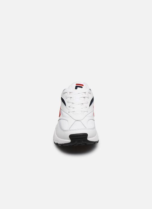 Sneaker FILA V94M weiß schuhe getragen