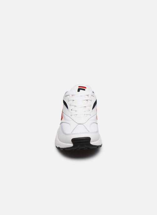 Baskets FILA V94M Blanc vue portées chaussures