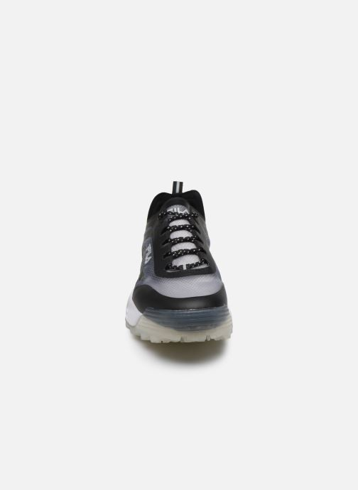 Sneakers FILA Disruptor Run Nero modello indossato