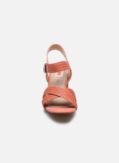 Sandali e scarpe aperte MTNG 58826 Arancione modello indossato