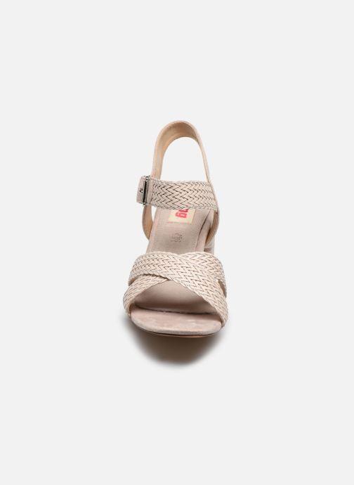 Sandales et nu-pieds MTNG 58826 Beige vue portées chaussures