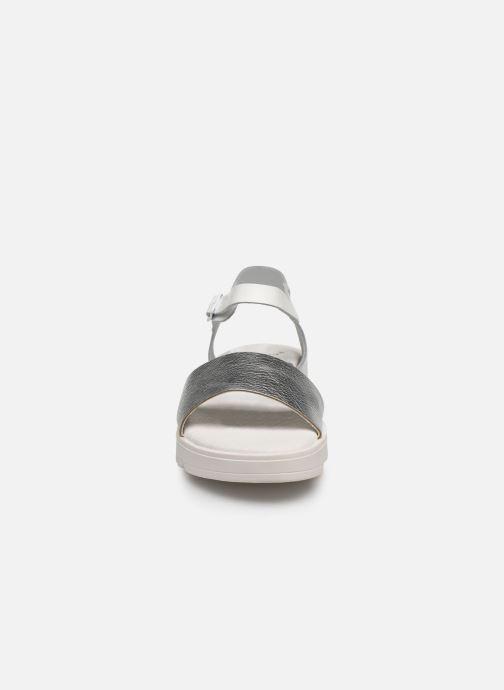Sandalen MTNG Sole weiß schuhe getragen