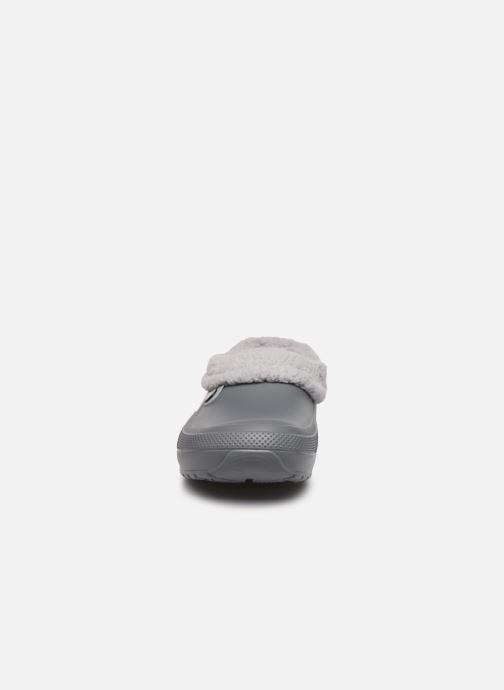 Sandales et nu-pieds Crocs Classic Blitzen III Clog Gris vue portées chaussures