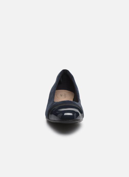 Ballerines Clarks Juliet Monte Bleu vue portées chaussures