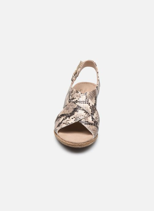 Sandales et nu-pieds Clarks Lafley Alaine Beige vue portées chaussures