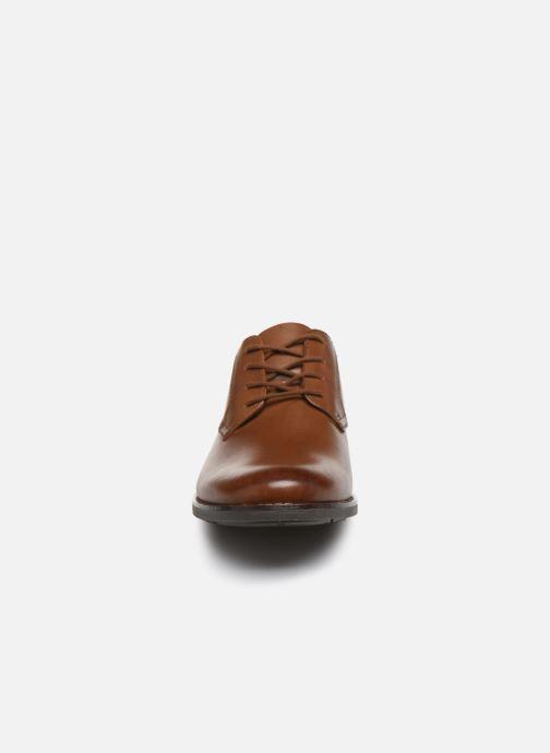 Zapatos con cordones Clarks Becken Lace Marrón vista del modelo