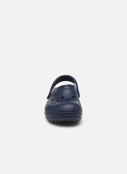 Sandalias Crocs Classic Lined clog K Azul vista del modelo