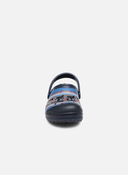 Sandali e scarpe aperte Crocs Classic Printed Lined Clog K Azzurro modello indossato