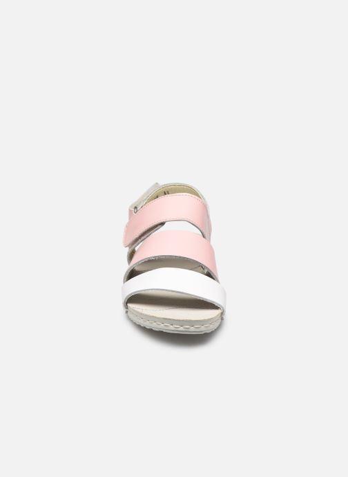 Sandales et nu-pieds Art Paddle A285 Rose vue portées chaussures