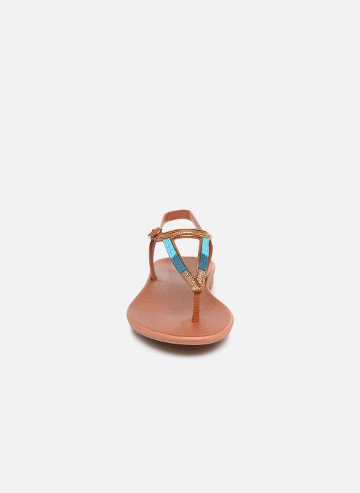 Sandales et nu-pieds Grendha Grendha Cacau Rustic Sandal Fem Marron vue portées chaussures