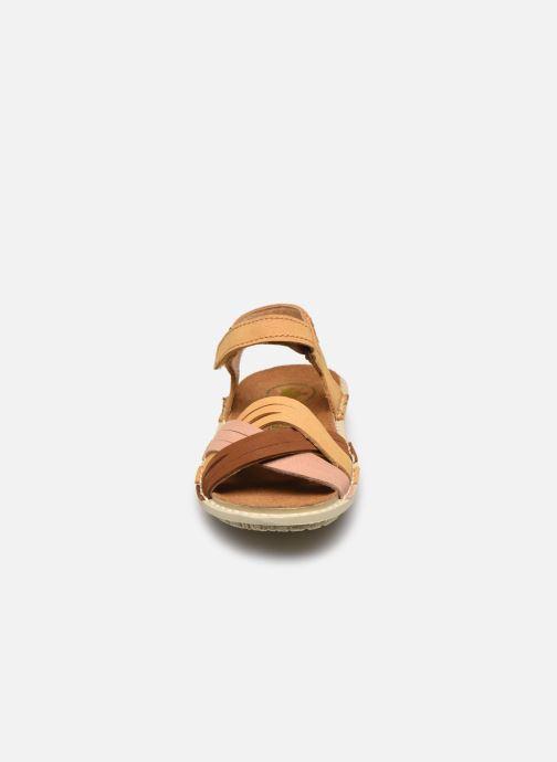 Sandales et nu-pieds El Naturalista Terra E226 Jaune vue portées chaussures