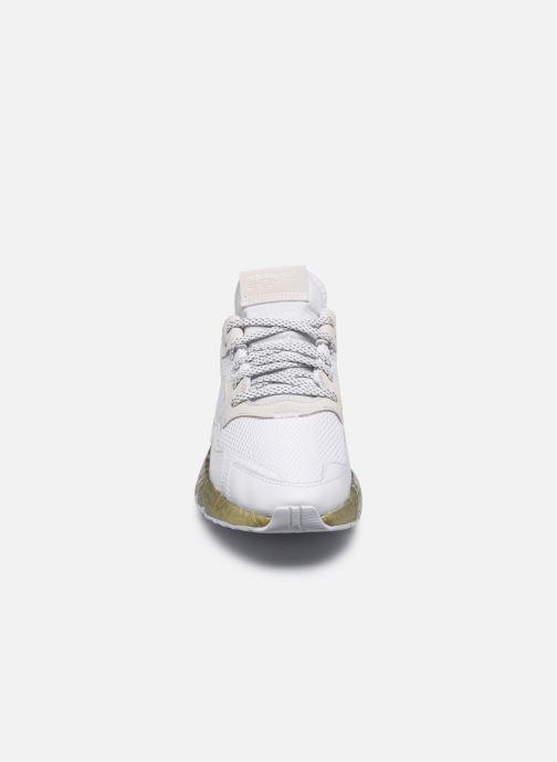 Sneakers adidas originals Nite Jogger W Bianco modello indossato