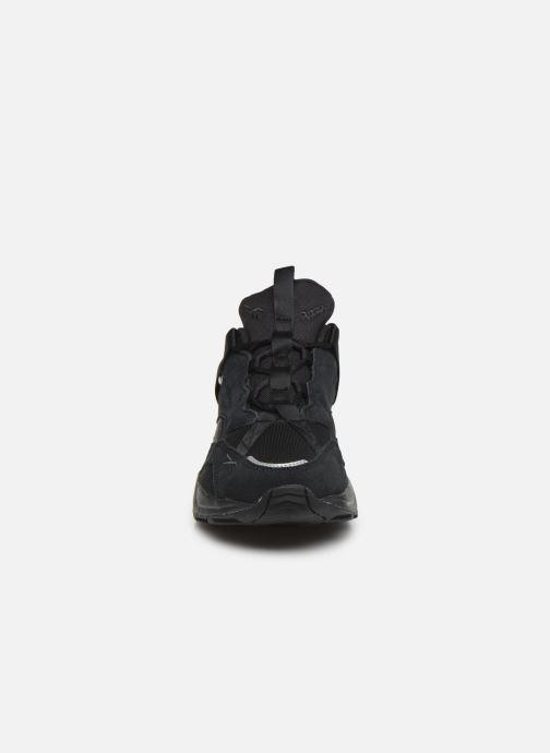 Baskets Reebok Aztrek 96 Adventure Noir vue portées chaussures